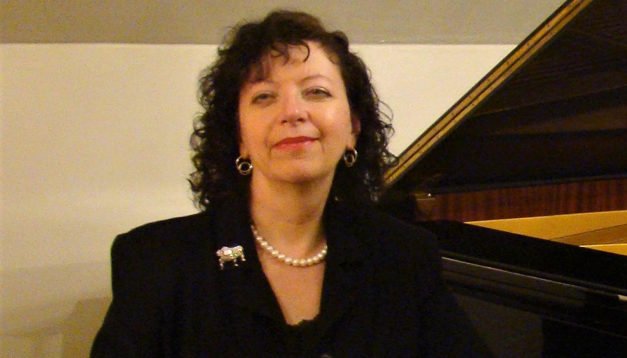 Accompanist Profile: Nely Burla
